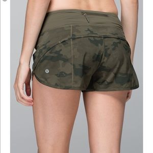 Lululemon original release camo speed shorts 😍